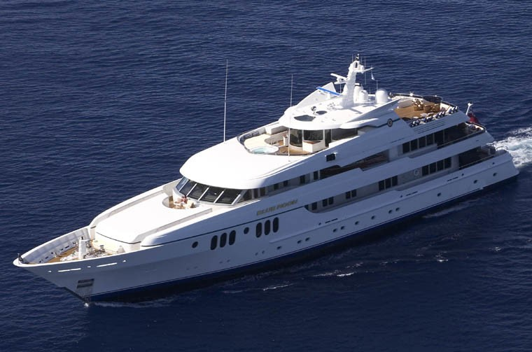 Profile: Yacht BLUE MOON's Cruising Pictured