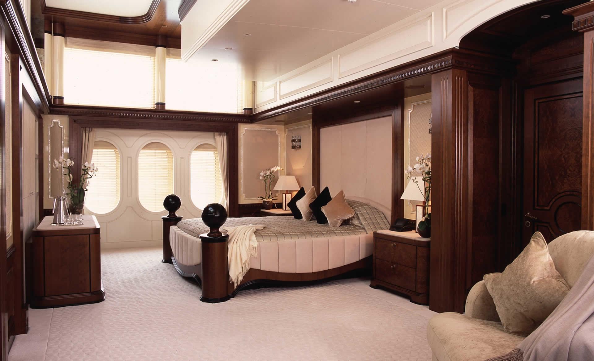 Top Guest's Cabin Aboard Yacht CALYPSO