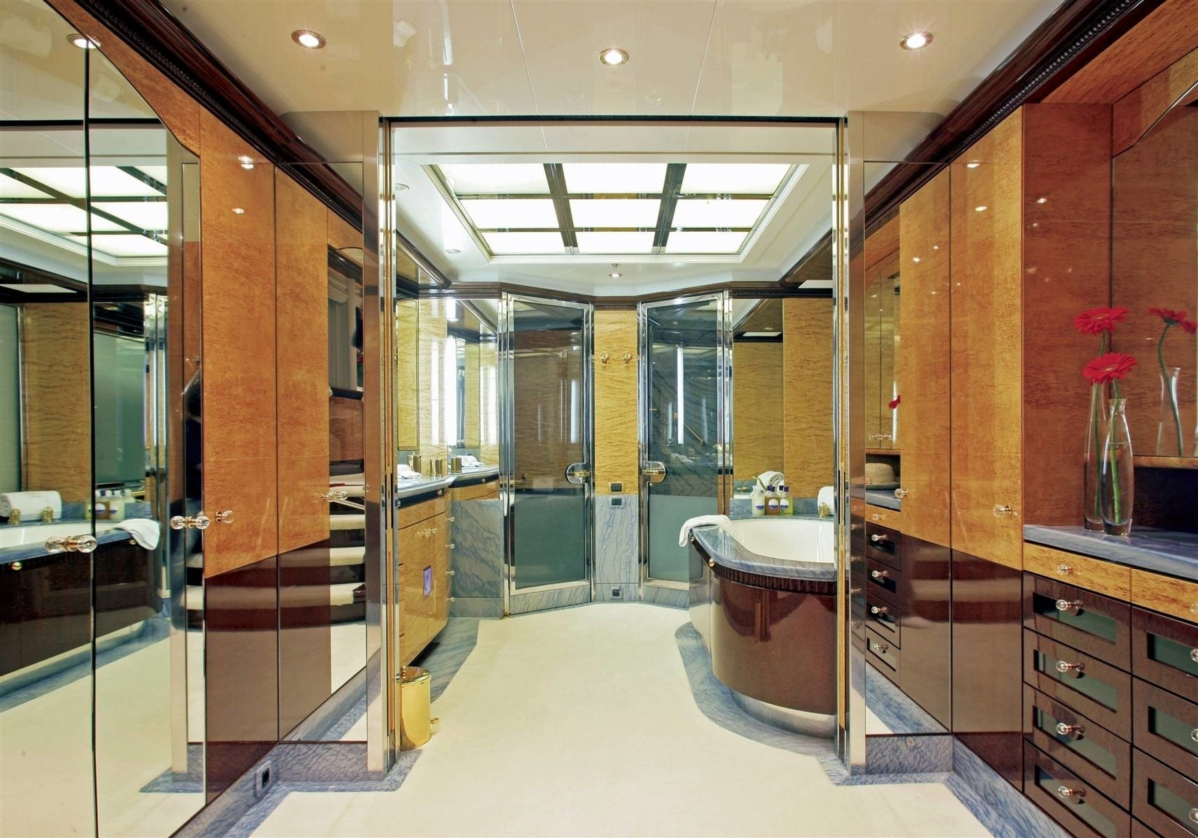 Hers Bath: Yacht LUCKY LADY's Main Master Cabin Photograph