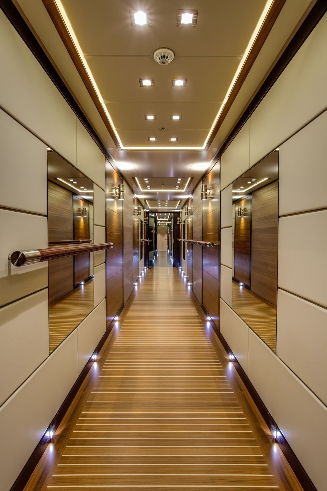 Grand Foyer Yacht : Girl image gallery luxury yacht browser by