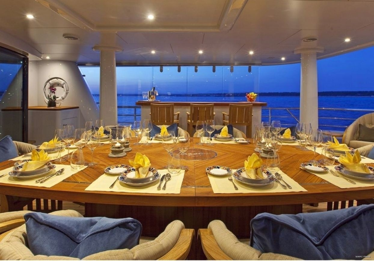 Top Eating/dining Zone On Yacht INFINITE SHADES