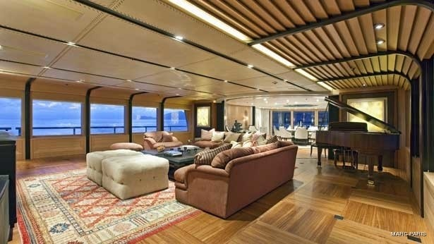 Premier Saloon On Board Yacht INFINITE SHADES