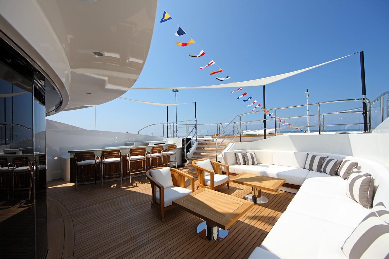 Exterior: Yacht SEANNA's Sitting Zone Photograph