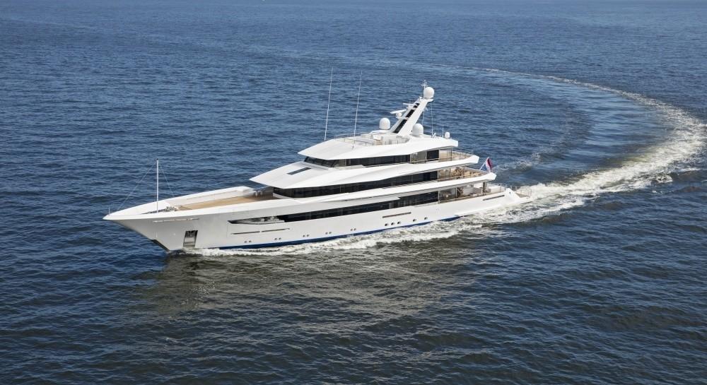 70m superyacht cruising
