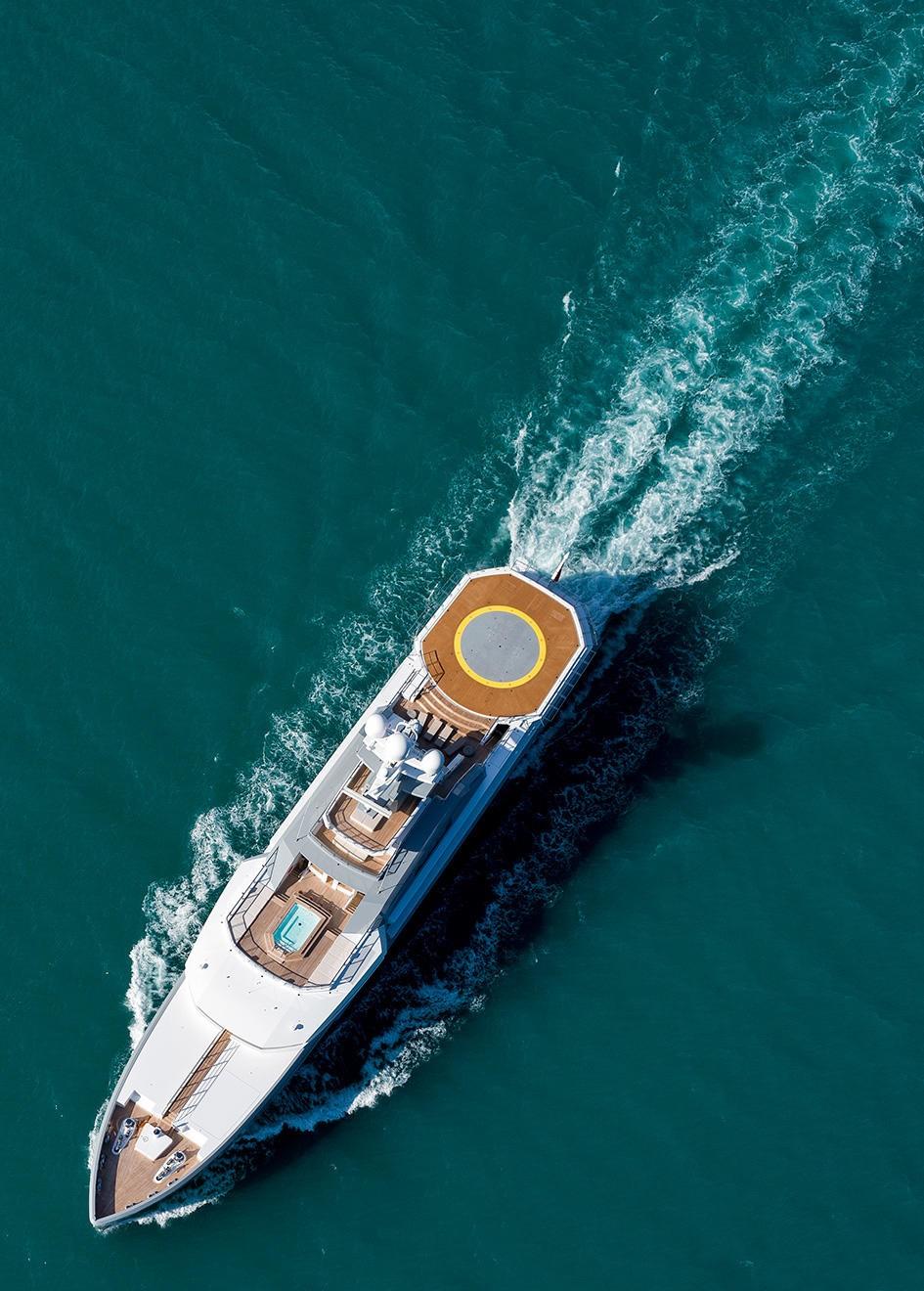 The 72m Yacht CLOUDBREAK