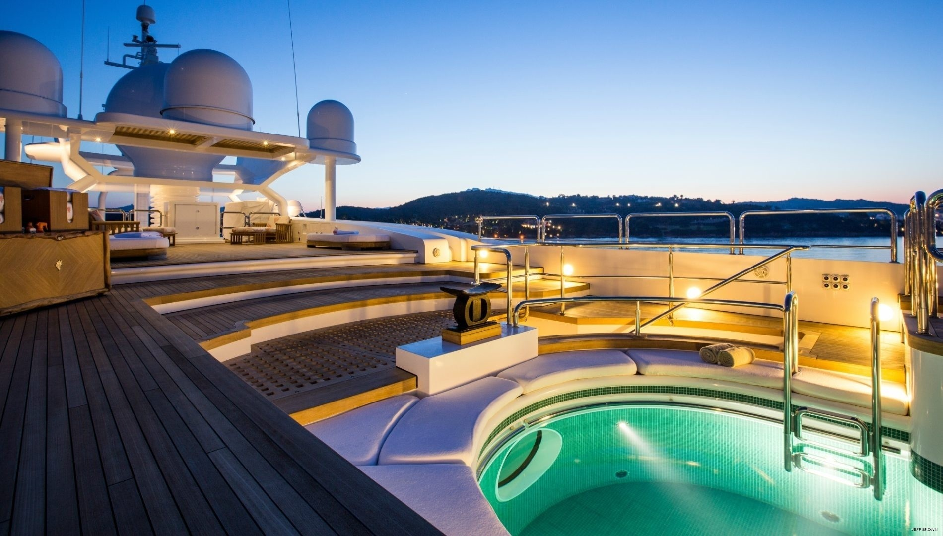sun deck with plunge pool
