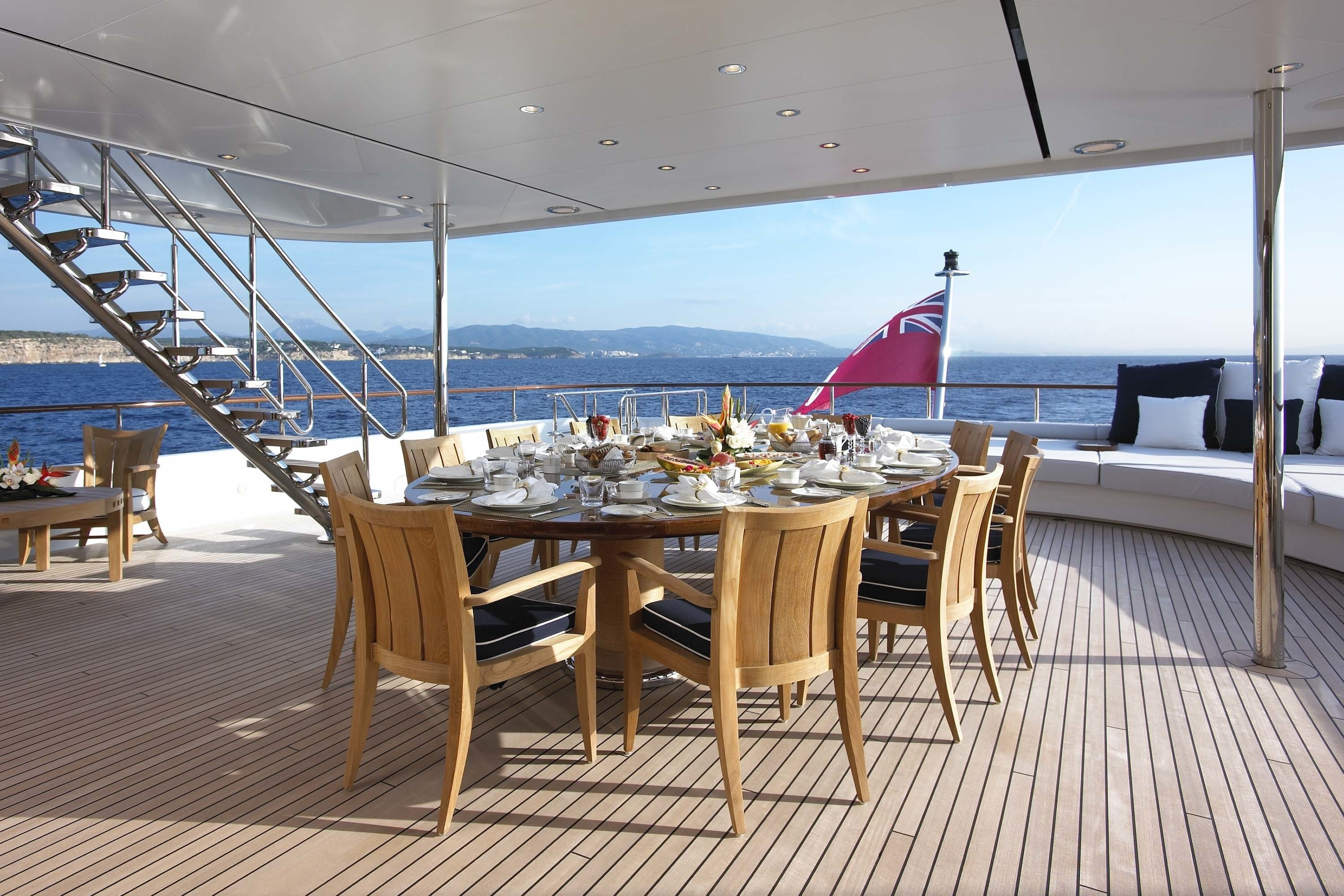 Yacht PREDATOR, Feadship | CHARTERWORLD Luxury Superyacht