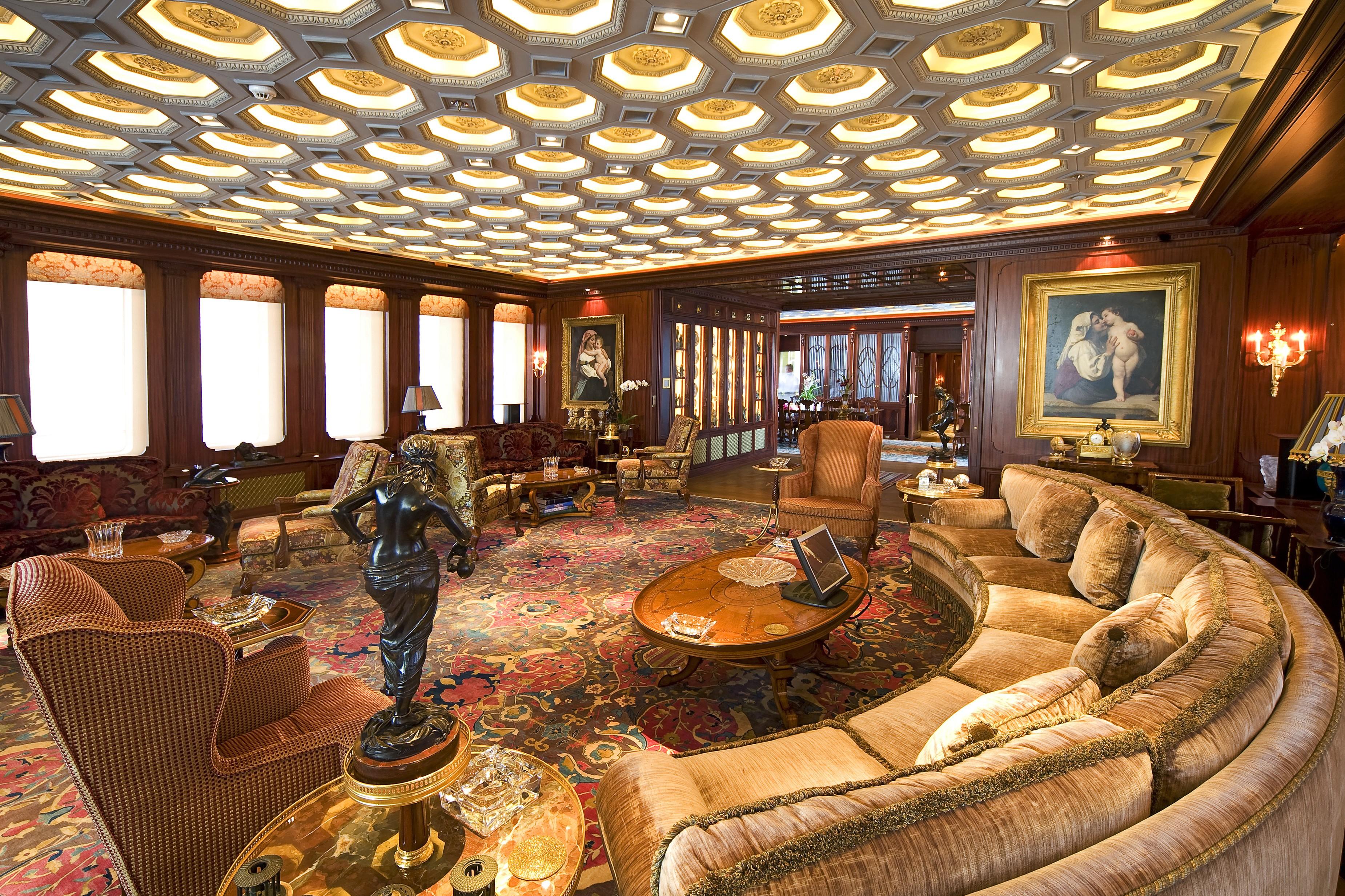 Sitting: Yacht SAMAR's Premier Saloon Image