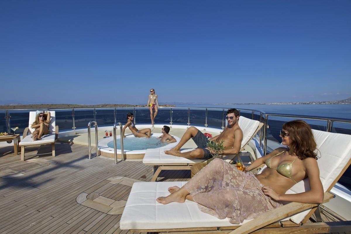 Life On Board Yacht O'MEGA