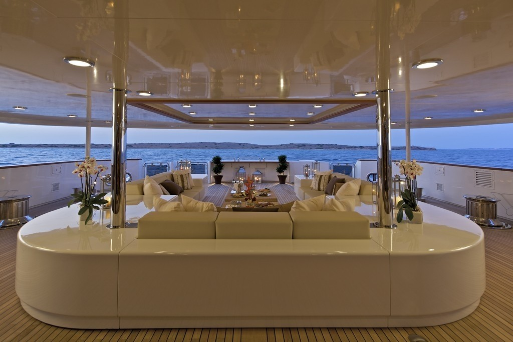 The 82m Yacht O'MEGA