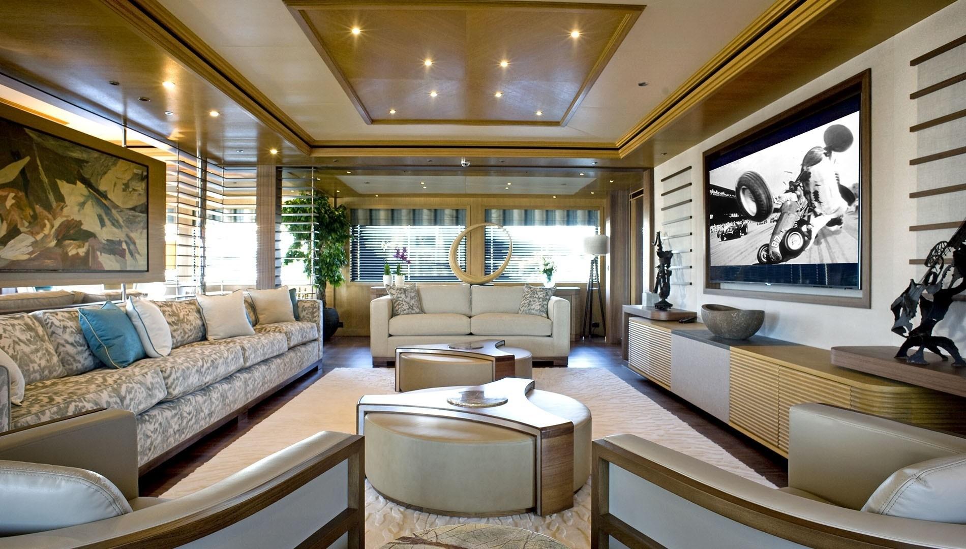 owner deck saloon