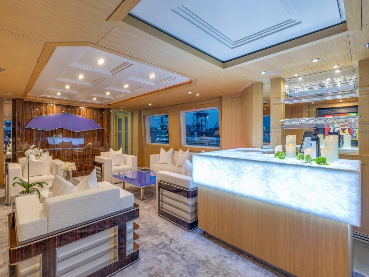 Salon View Forward