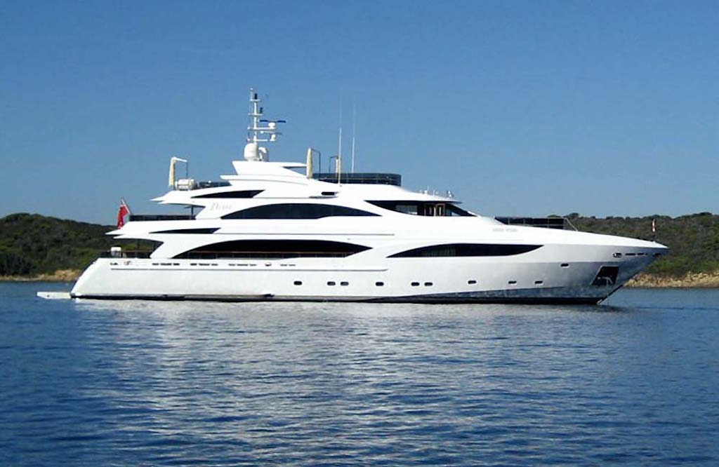 Benetti Diane at Anchor STBD Side