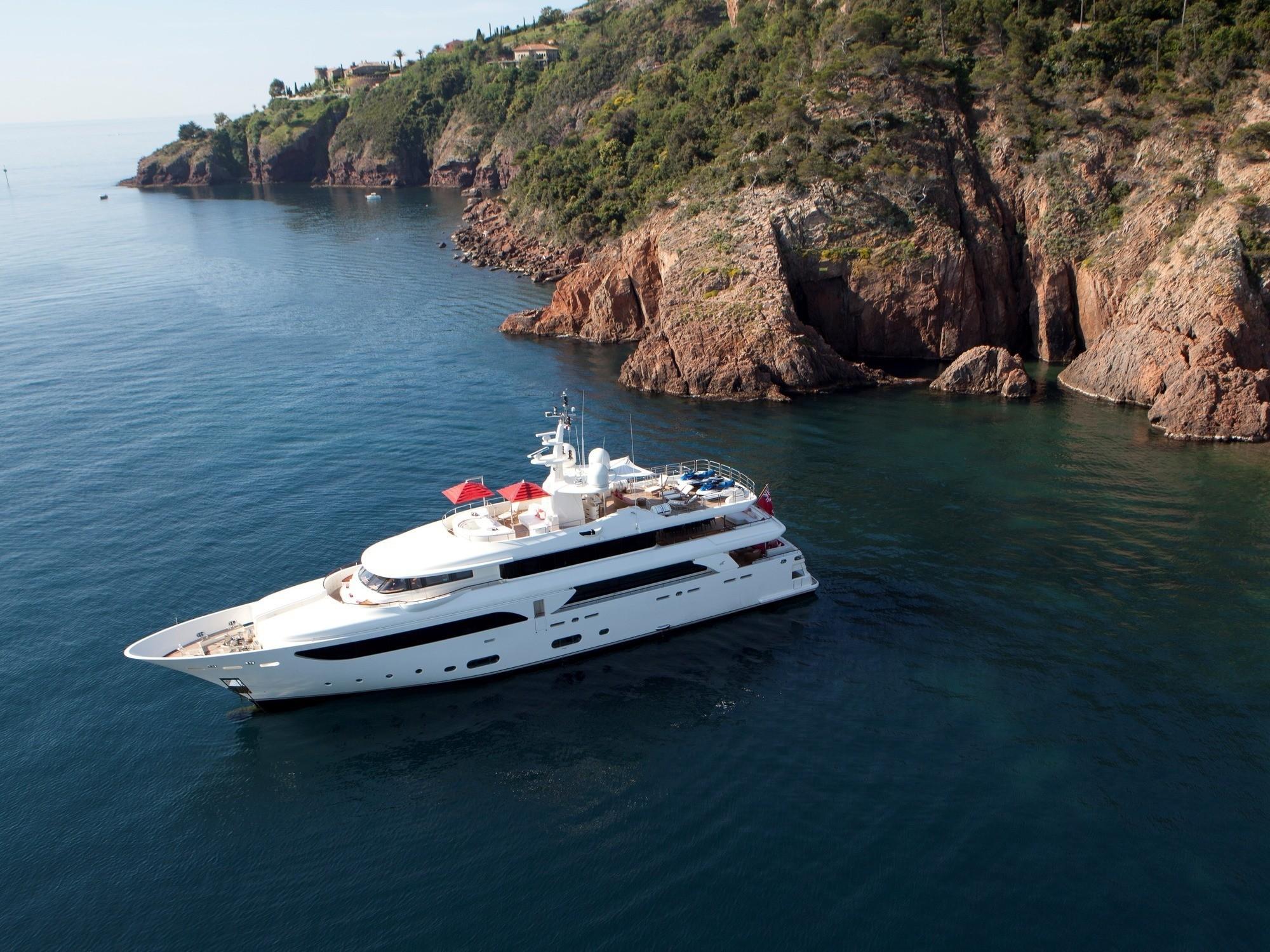 43m CRN Superyacht