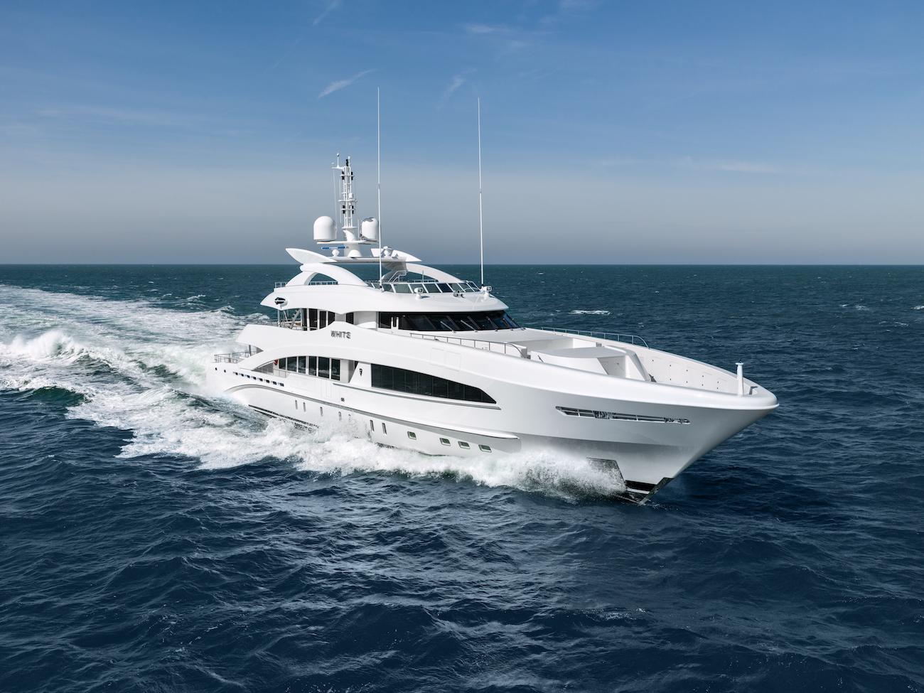50m Yacht WHITE By Heesen Under Sea Trials