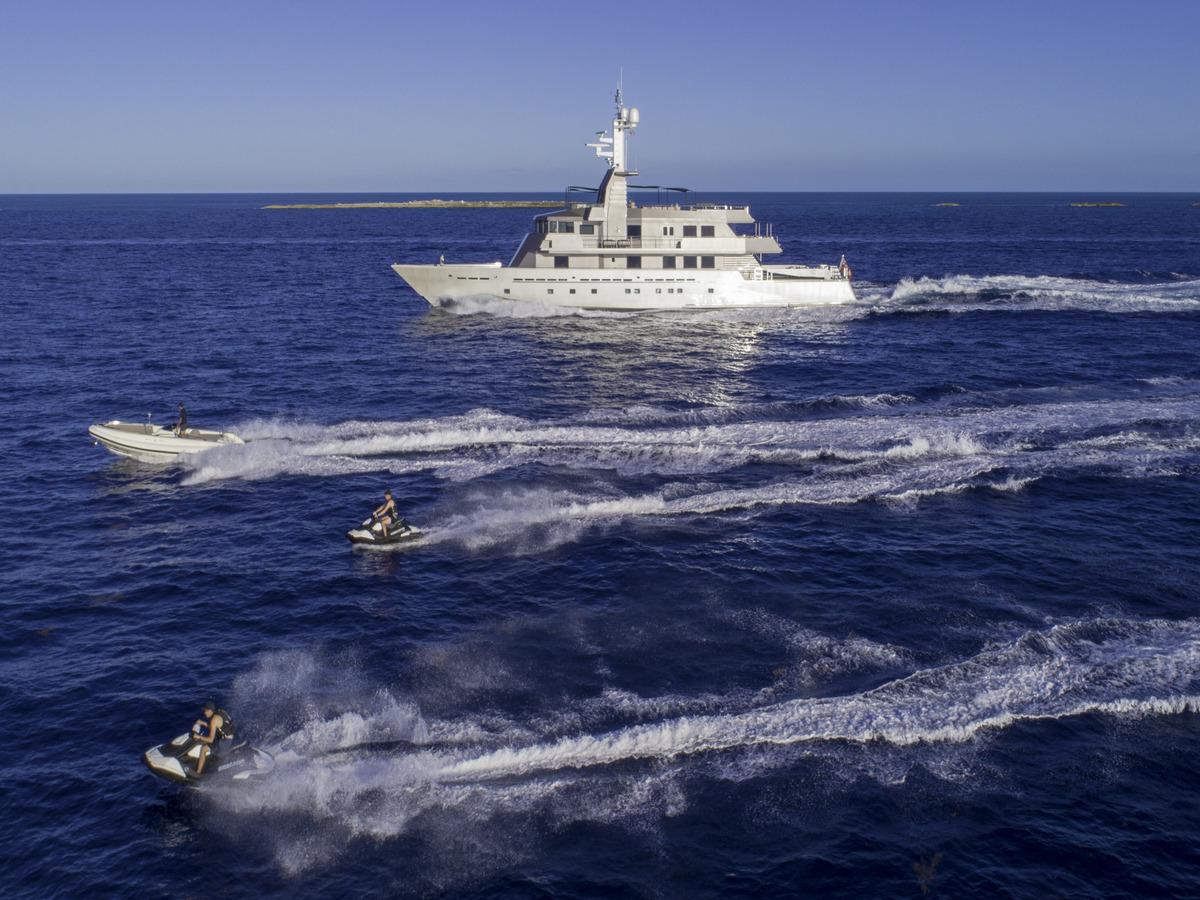 53 Meter Oceanfast Yacht - Running