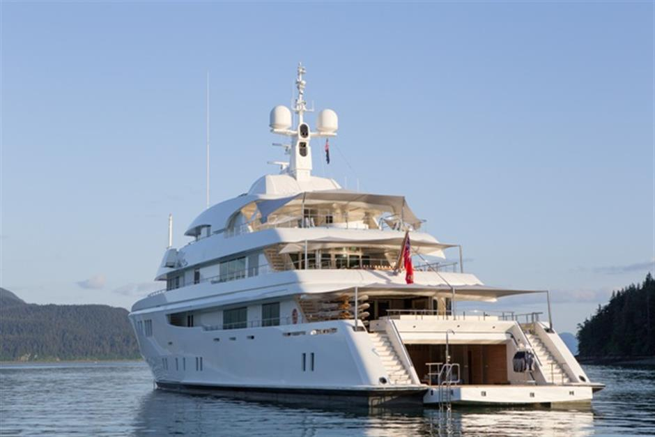 62m Icon-built Yacht Aft View