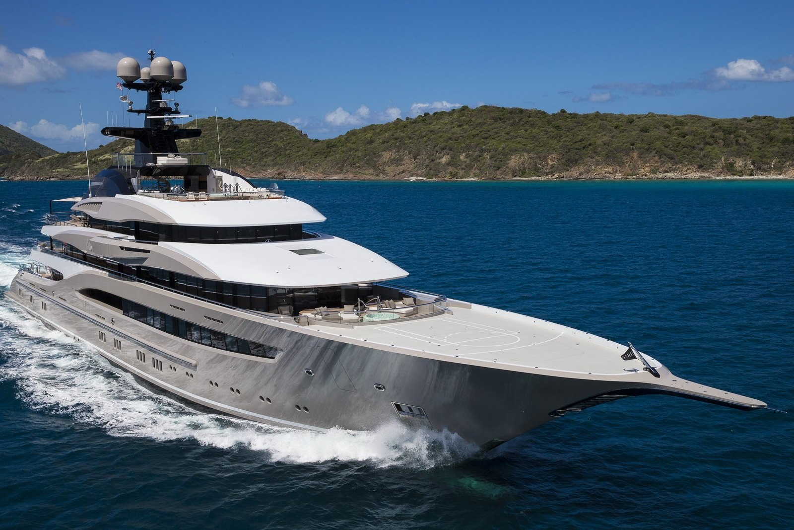 95m Lurssen Mega Yacht In The Caribbean