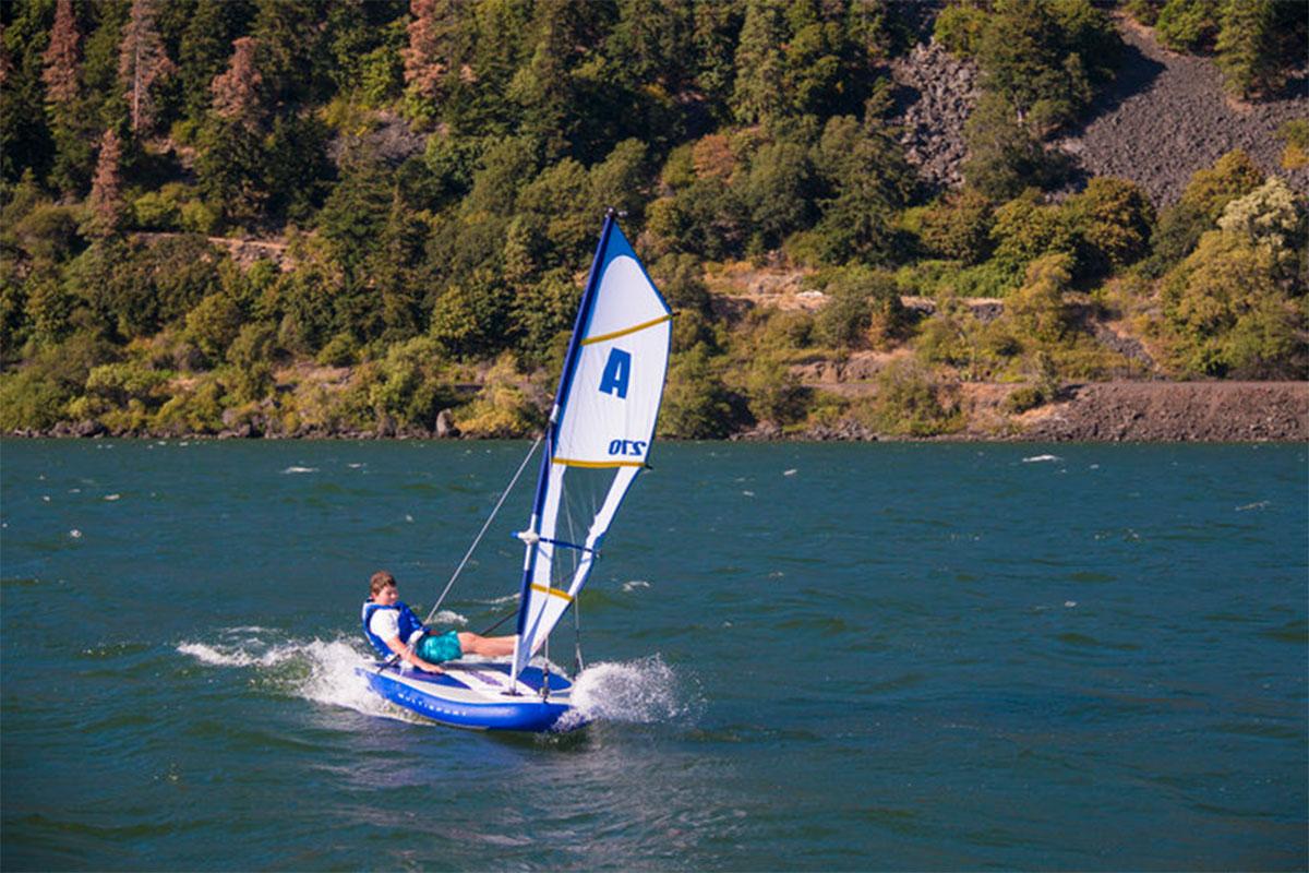 Sailing tender
