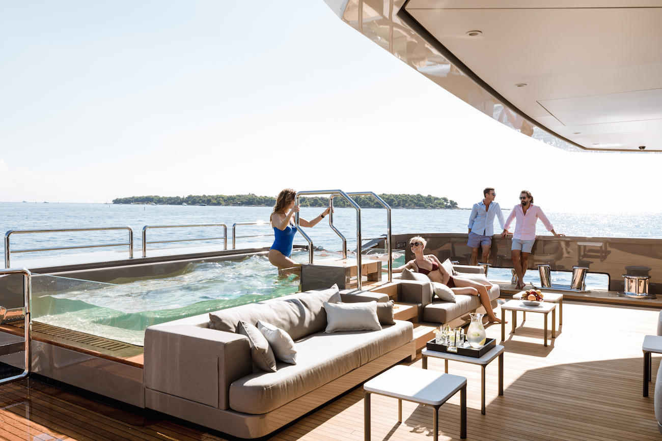 Amazing Spaces With Swimming Pool On The Aft Deck
