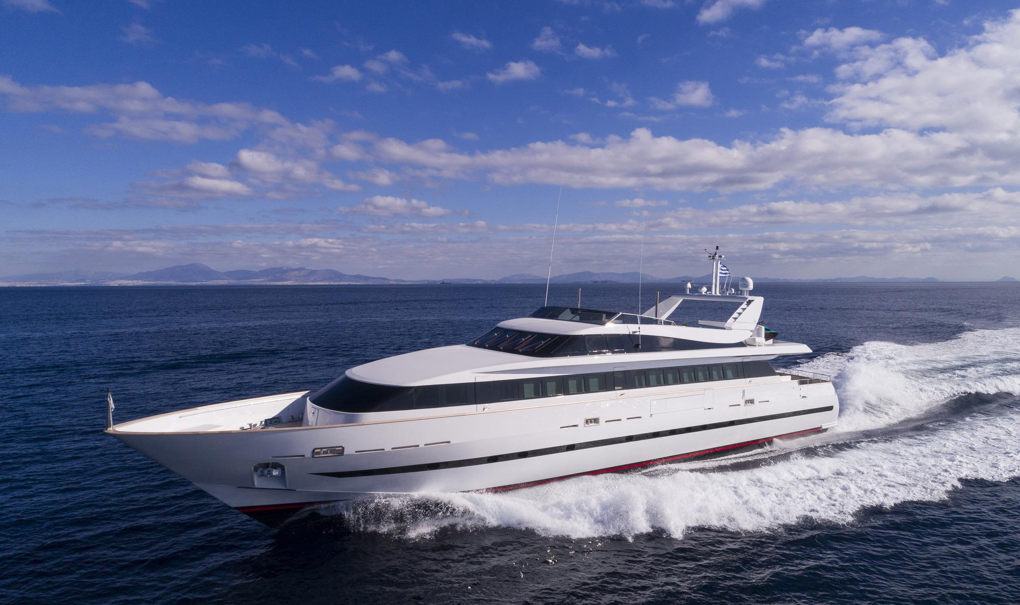 Baglietto Motor Yacht SOLE DI MARE - Running