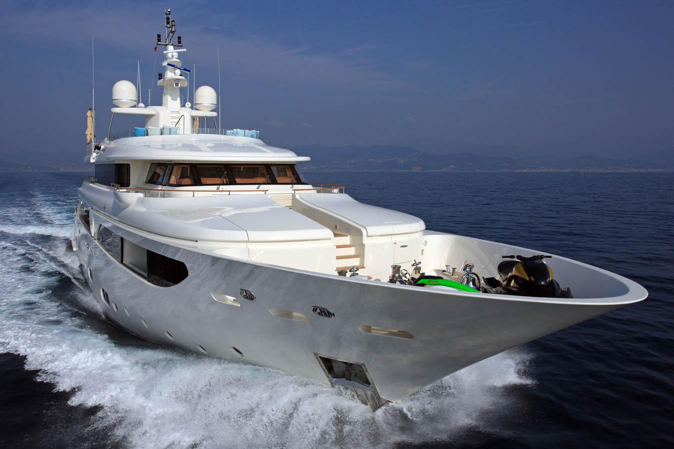 Beautiful Superyacht HANA
