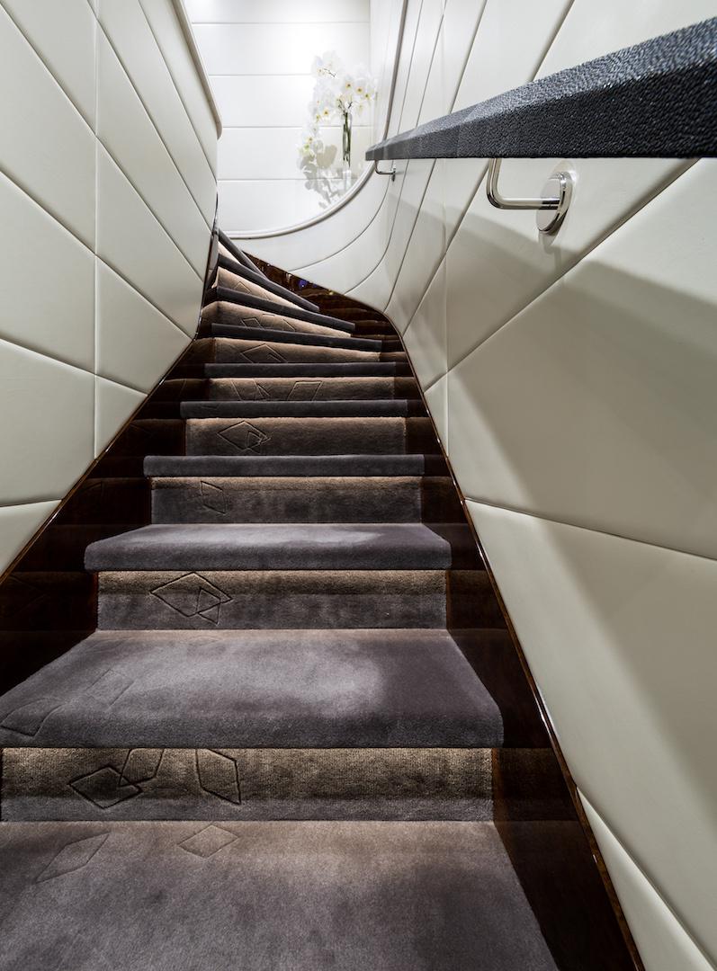 stairwell plush carpeting detail