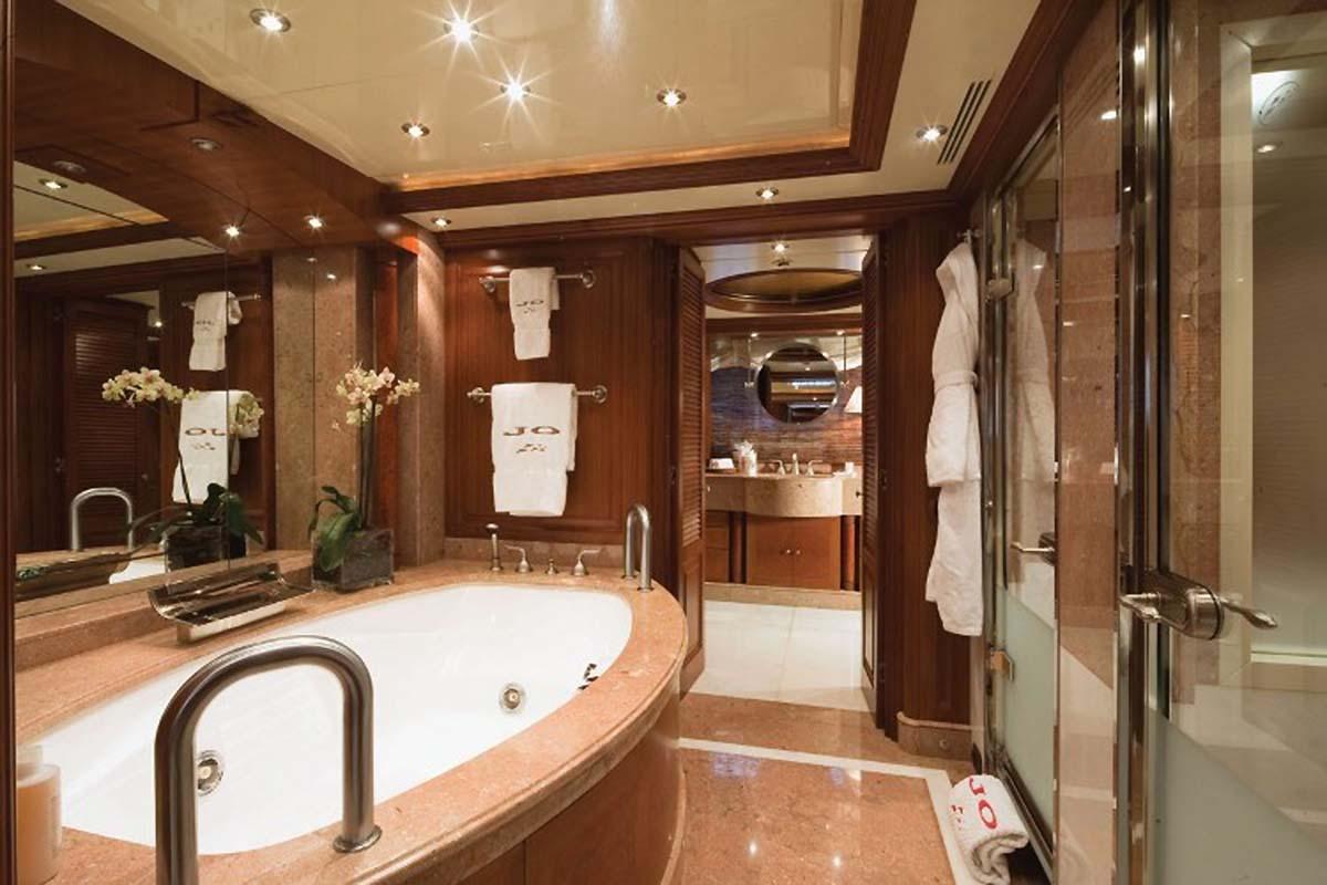 Benetti Jo Master Stateroom Bathroom