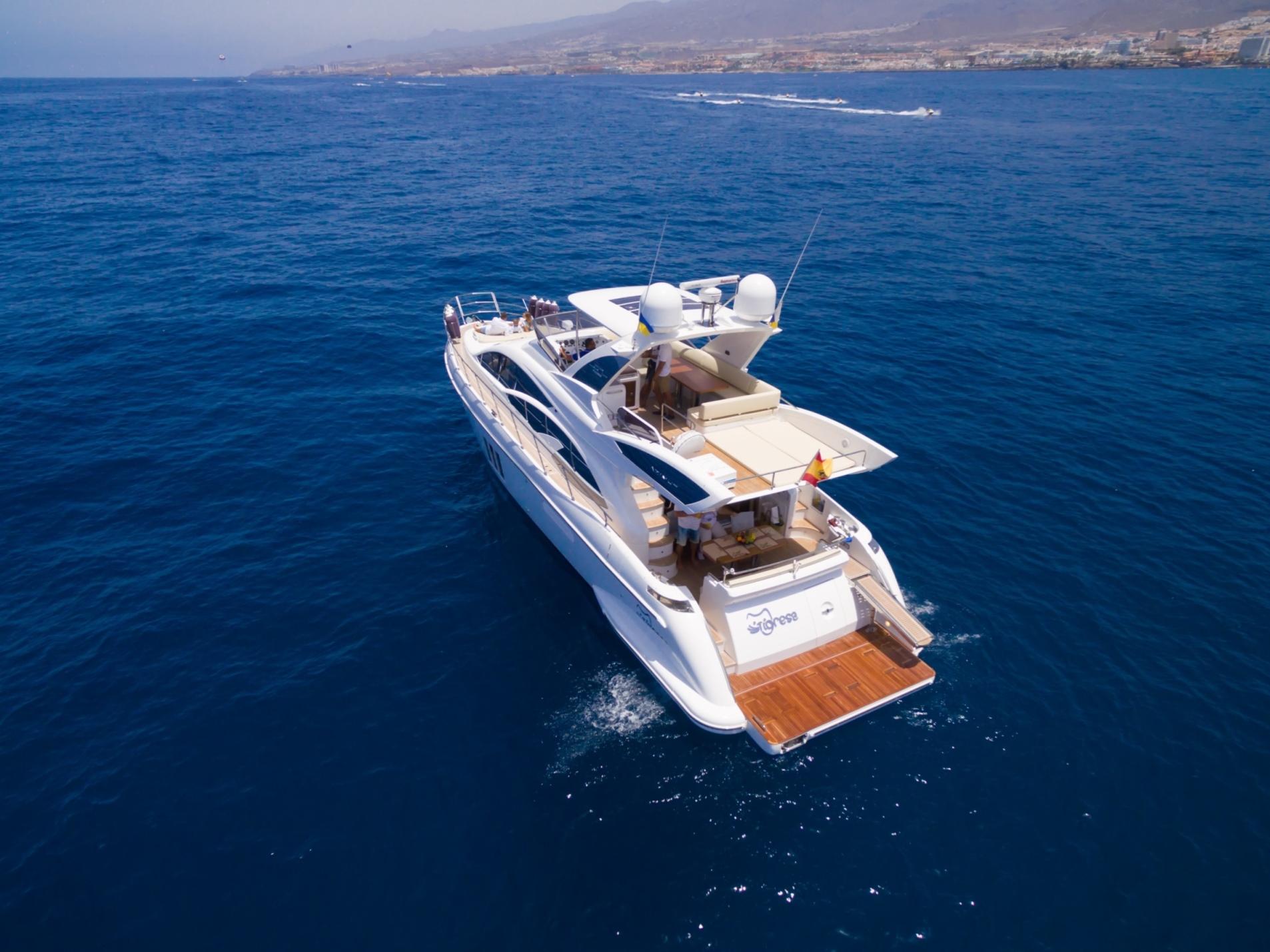 18m Azimut Yacht TIGRESA - Stern view