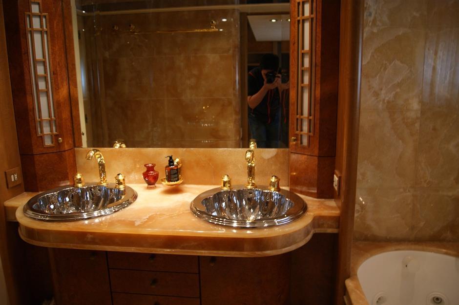 Double Cabin - Bathroom