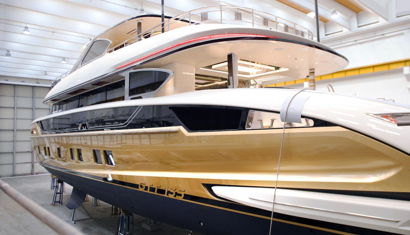 Dynamiq Yacht STEFANIA Getting Ready For Launch