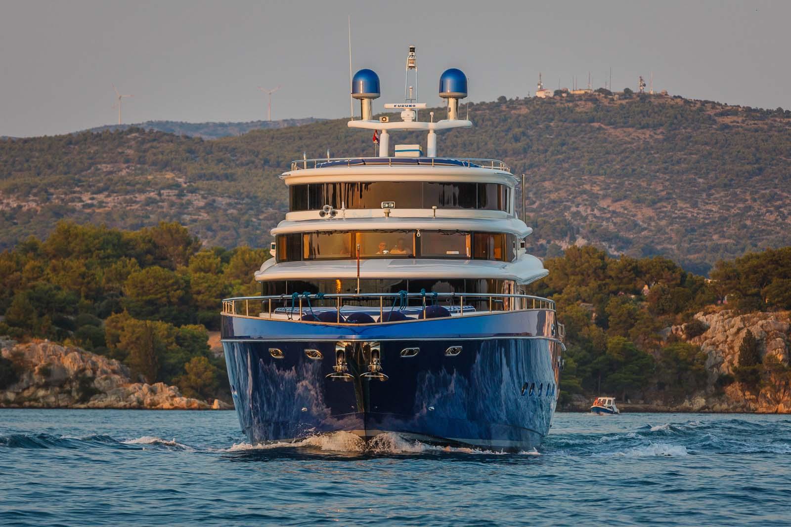 Johnson Baby Yacht In Croatia