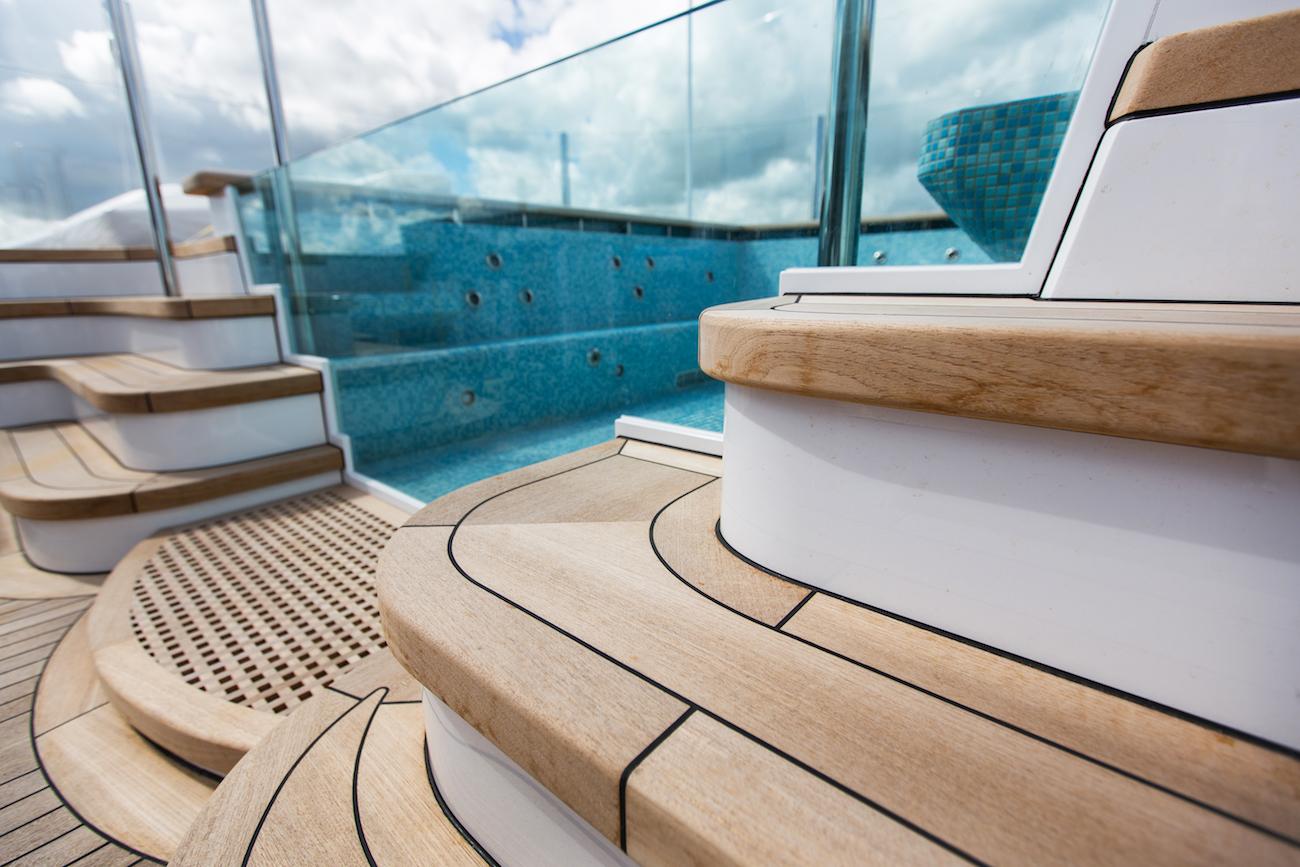 Luxurious Onboard Jacuzzi Pool