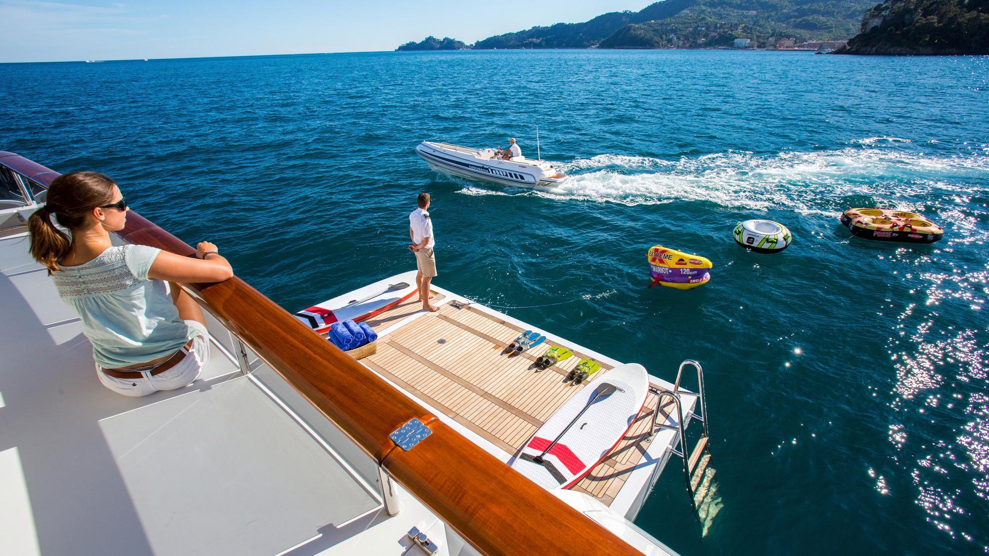 Diane yacht charter details benetti 43m charterworld for By the cabin catamaran charters
