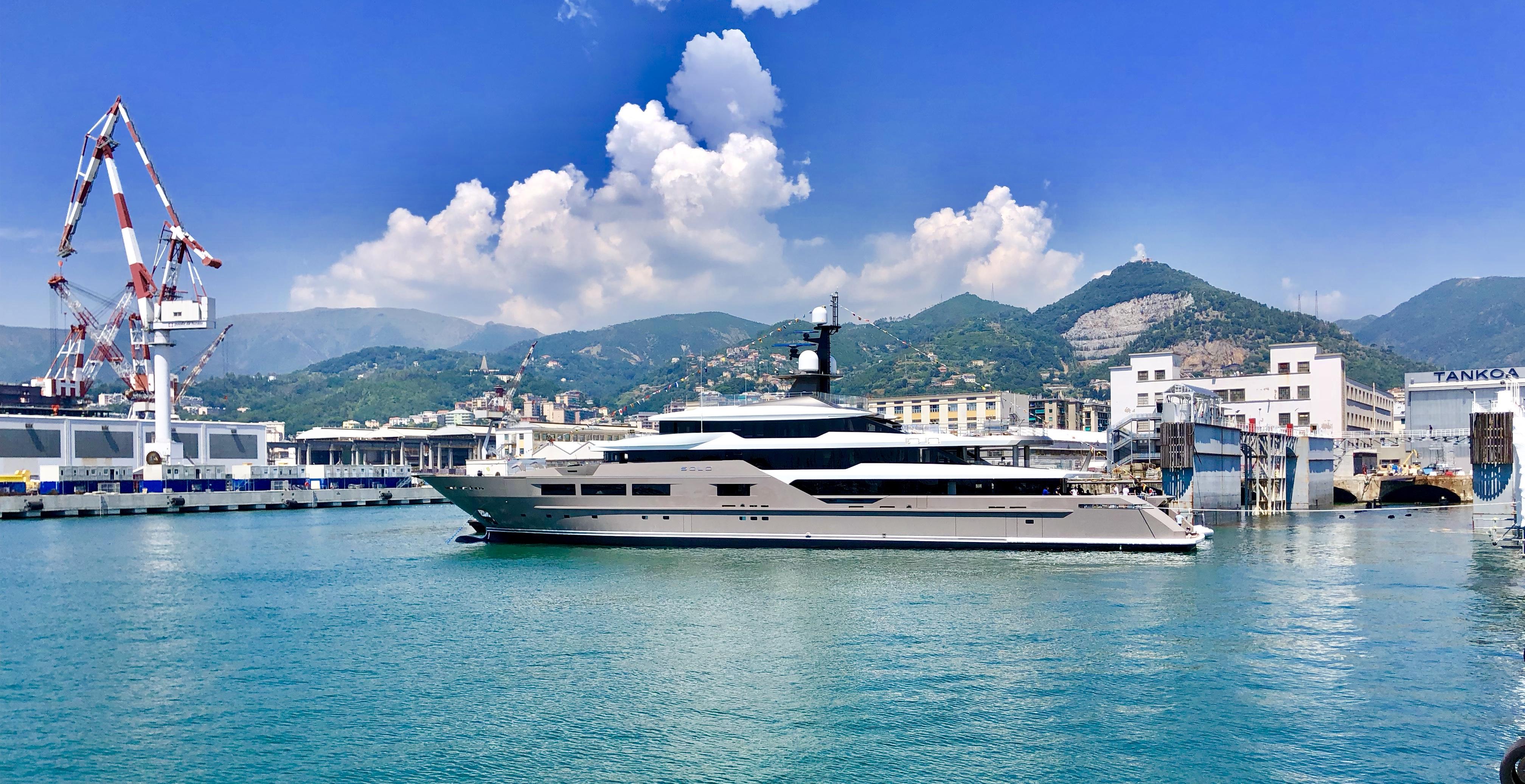 Luxury Superyacht SOLO - Tankoa Yachts