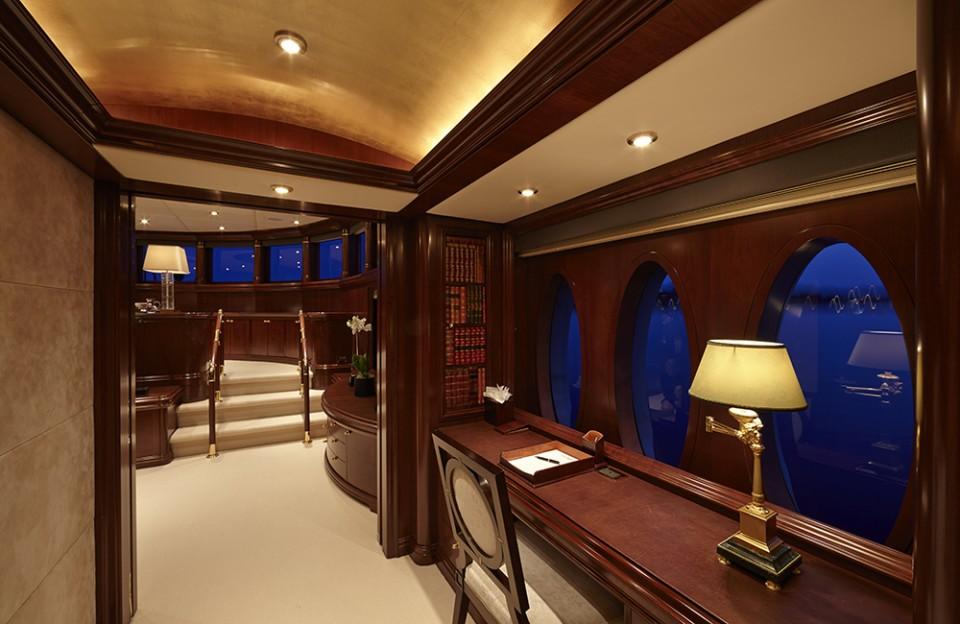 Master Cabin - Office