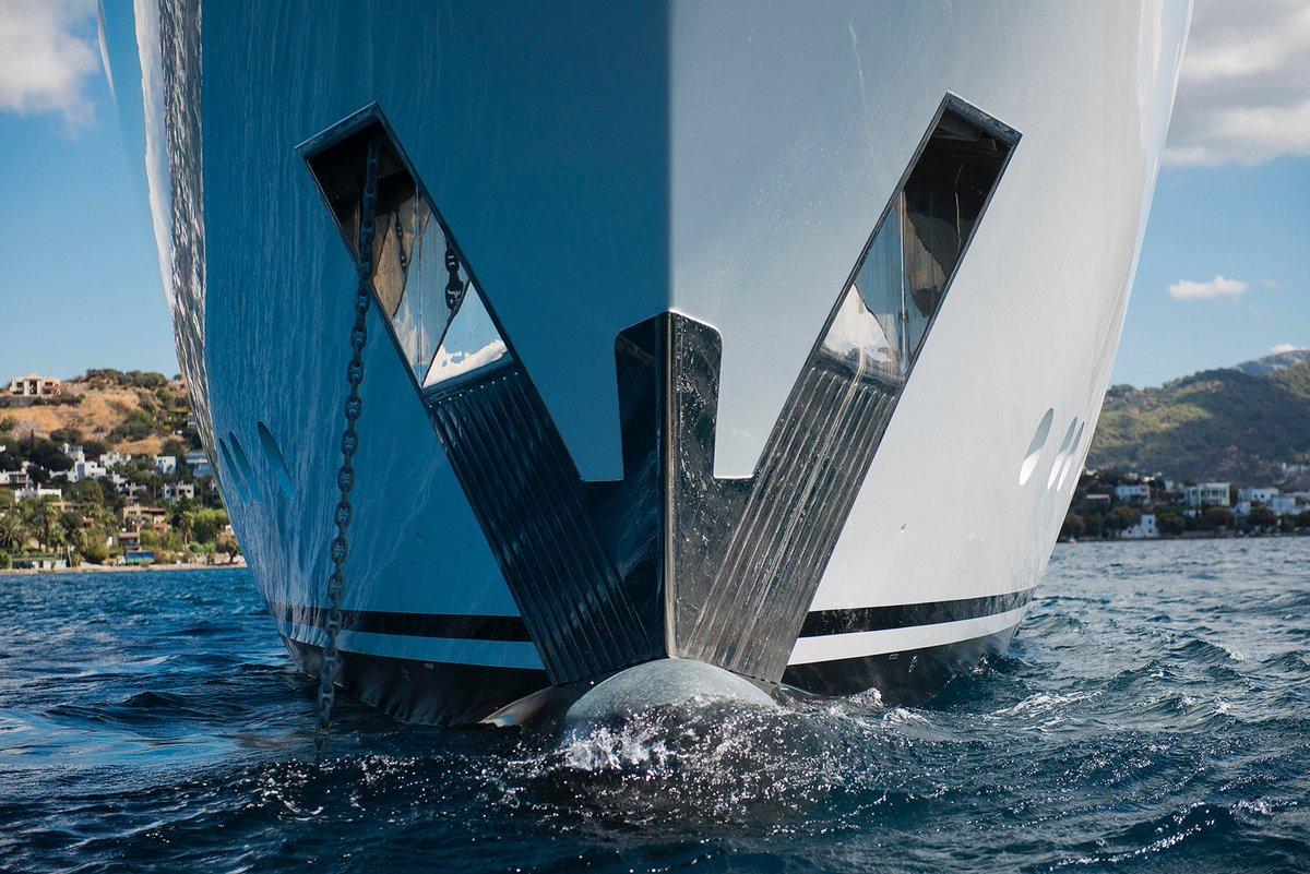 Motor Yacht LIQUID SKY By CMB Yachts - Bow