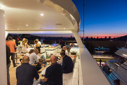 Motor Yacht LIQUID SKY By CMB Yachts - Entertaining