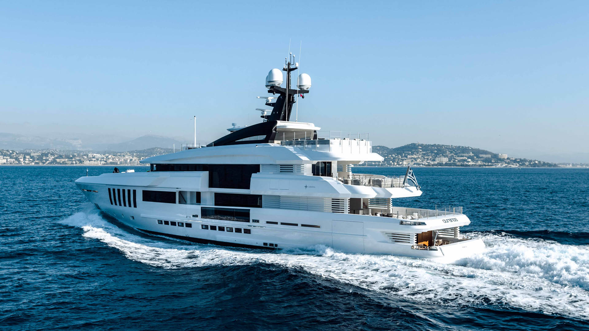 Motor Yacht OURANOS Underway By Admiral Yachts
