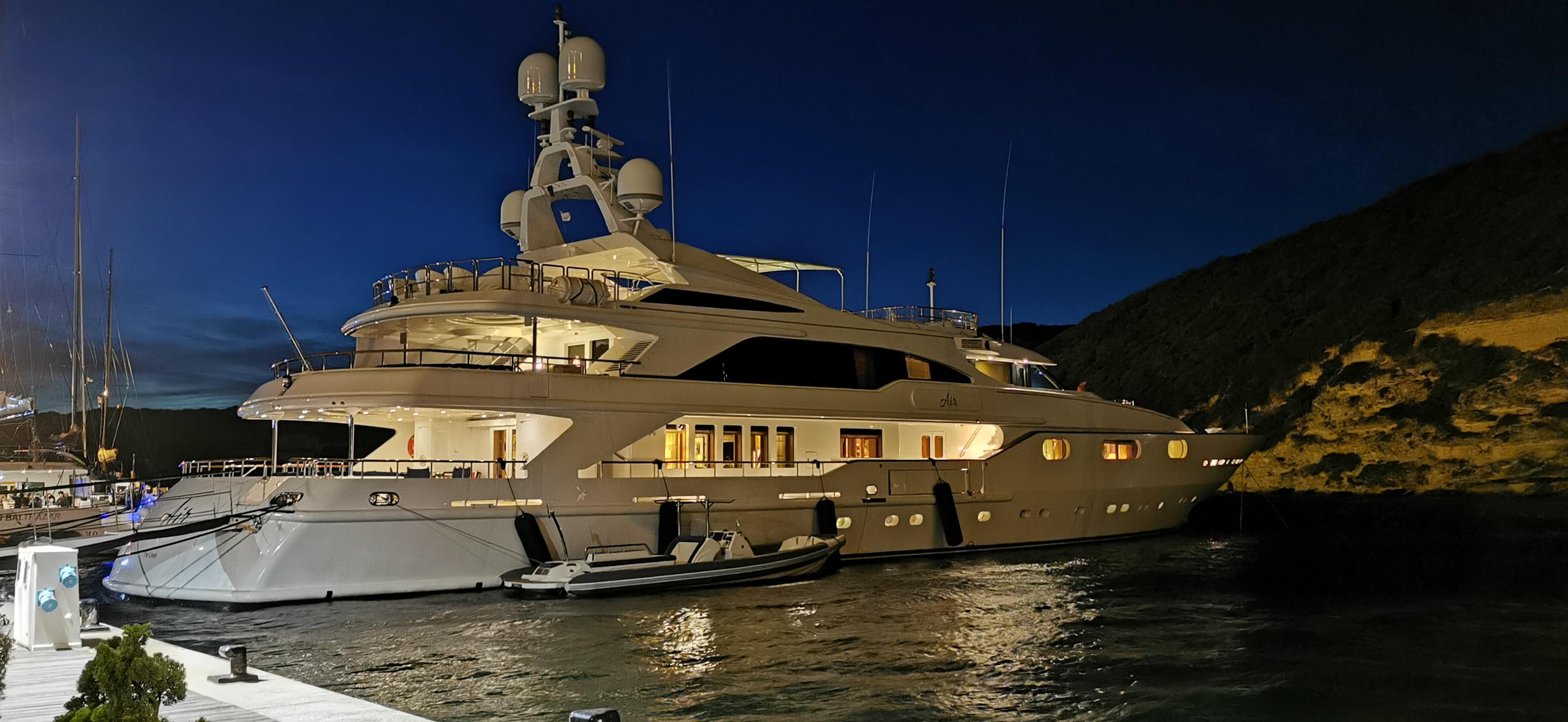 Motor Yacht AIR Off Bonifacio