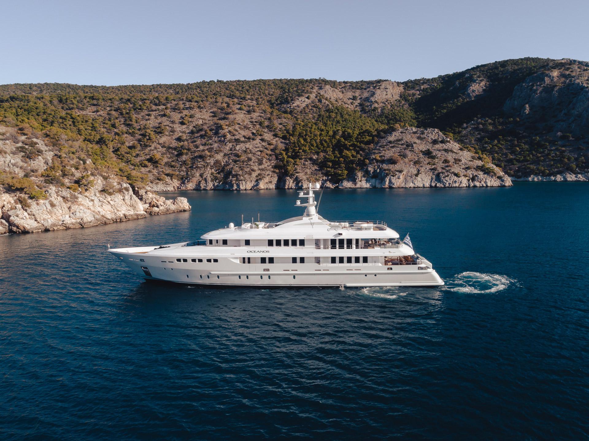 O'CEANOS Charter Yacht Profile