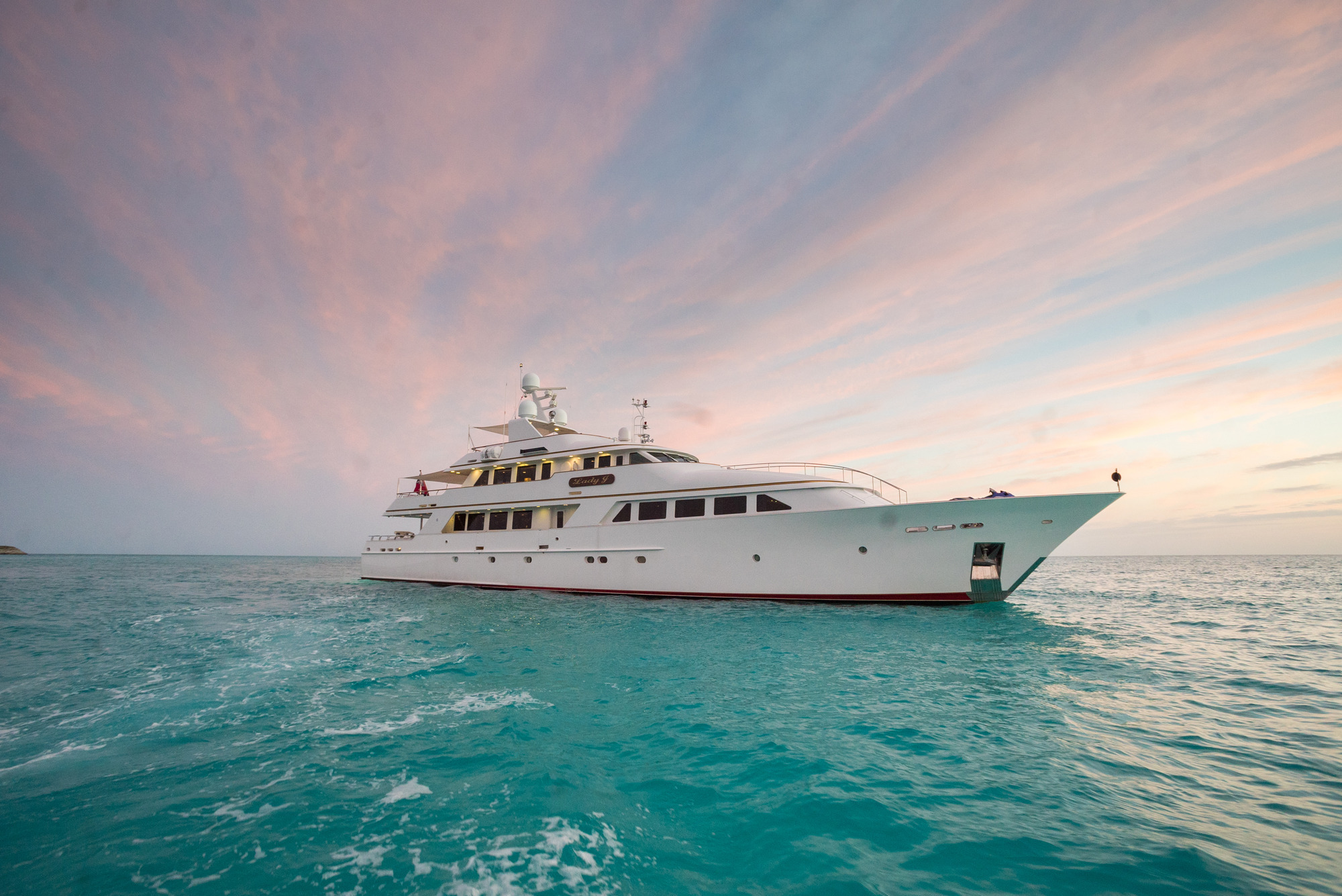 Palmer Johnson Motor Yacht LADY J - Starboard View