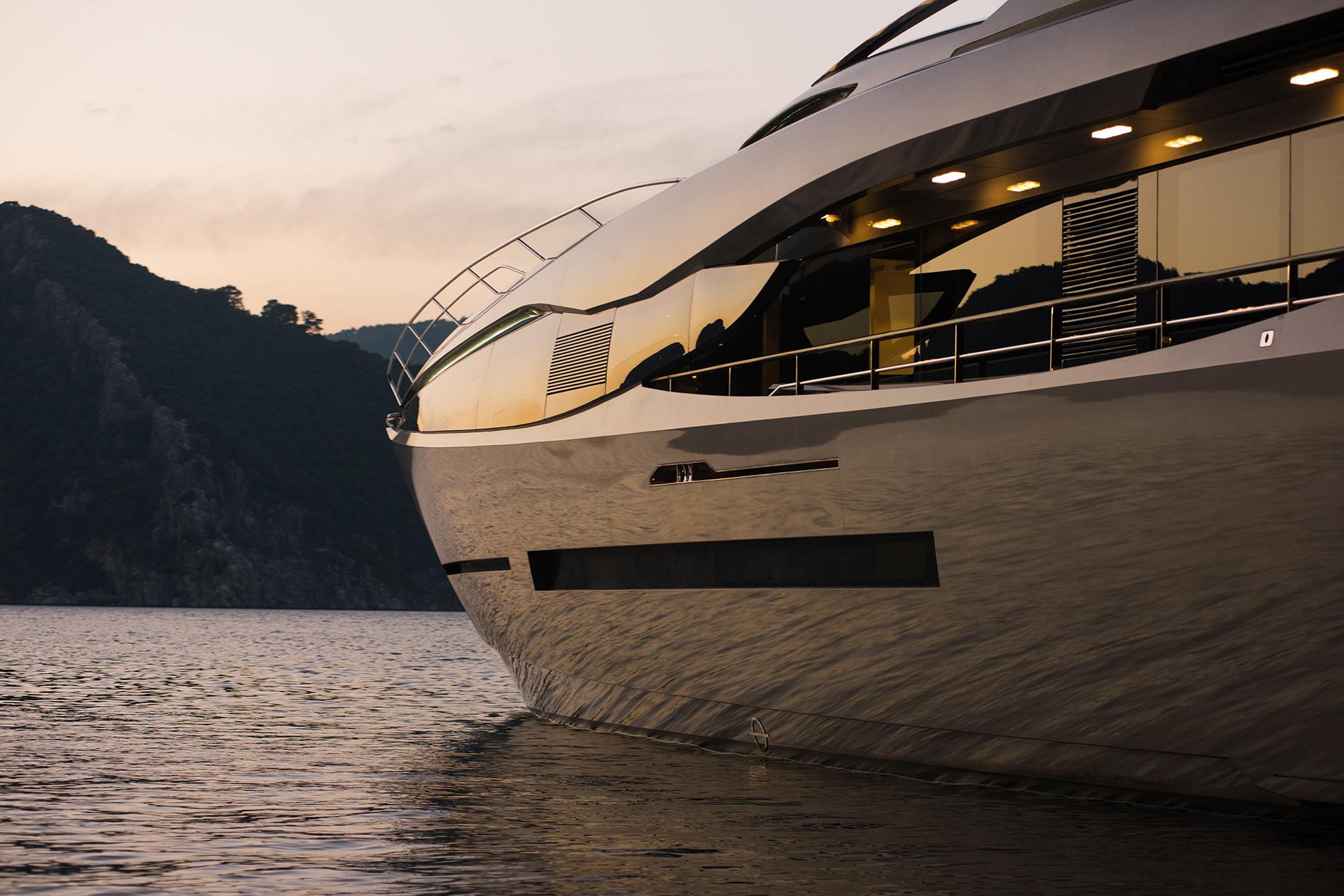 Peri Motor Yacht Fx  Hull Details