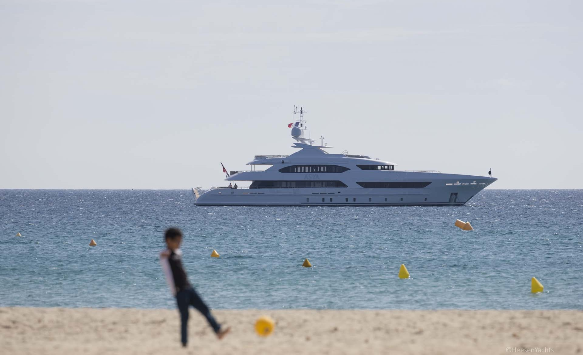 Profile Of 47m Displacement Yacht By Heesen