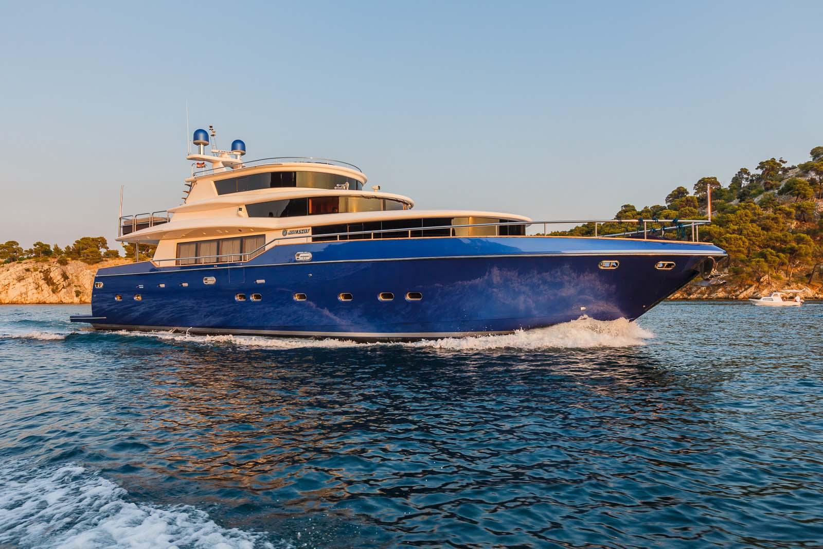 Profile Of Johnson Baby Charter Yacht