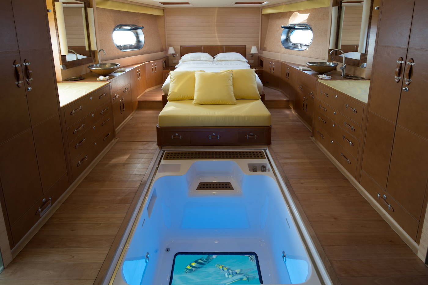 SIA Master Cabin With Glass Bottom Jacuzzi