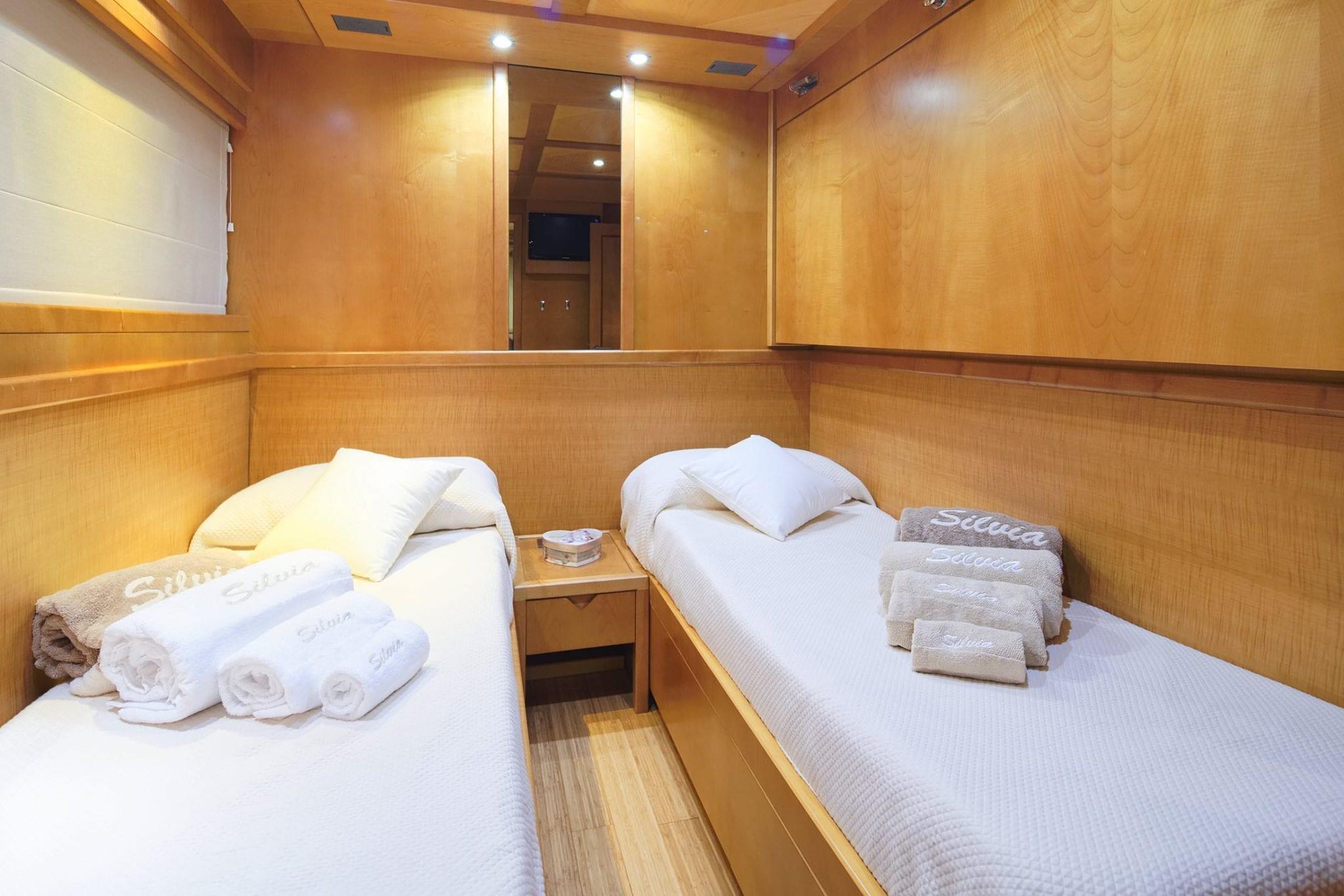 SILVIA Interior - Twin Cabin