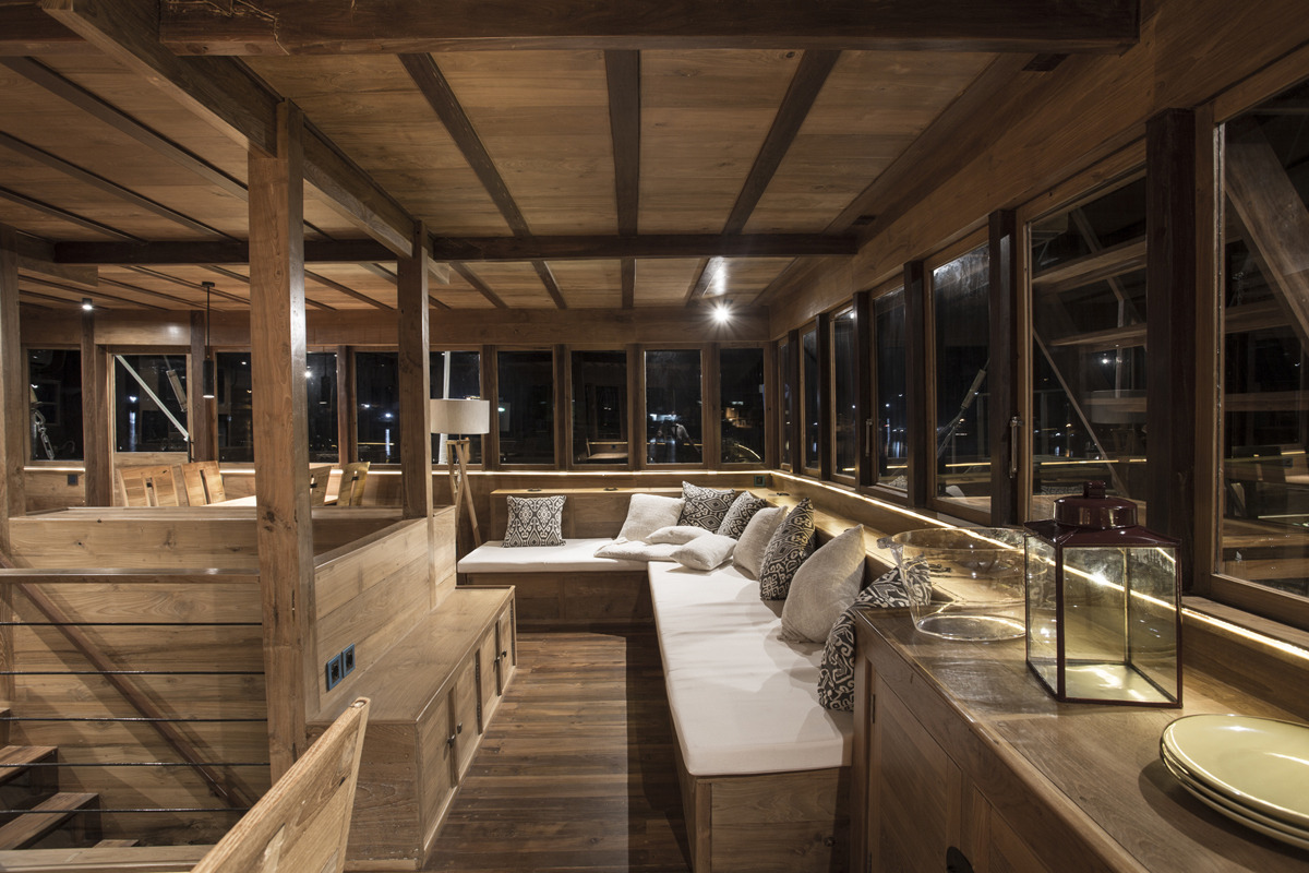 Salon On Main Deck