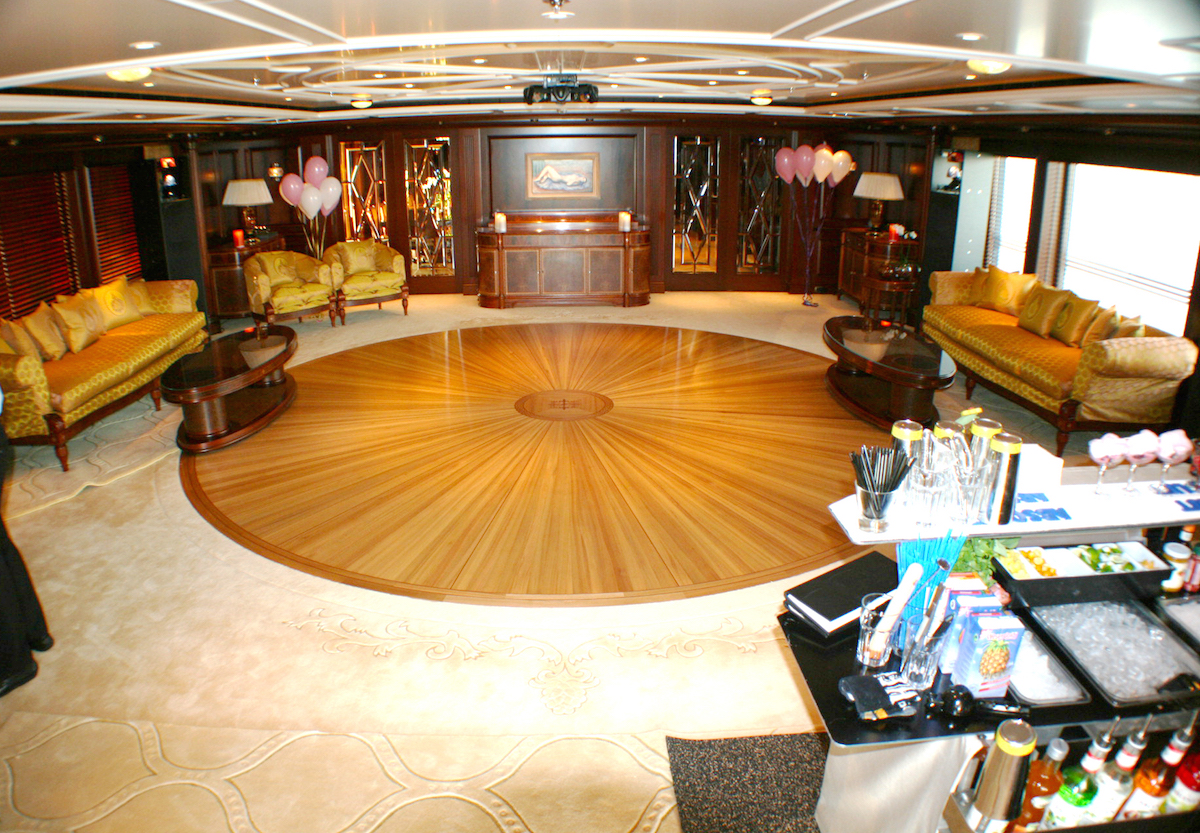 Saloon Converted Into Disco Lounge