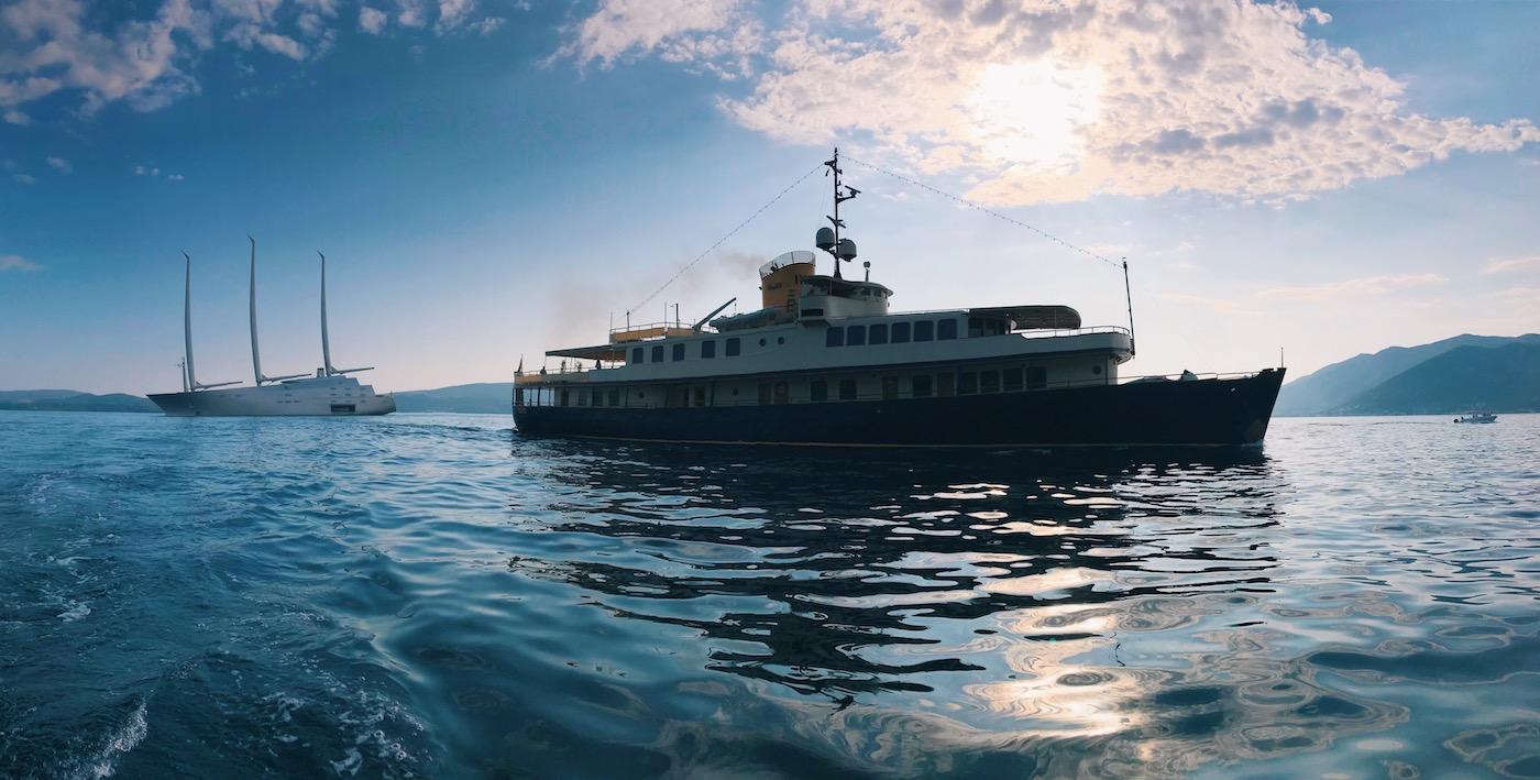 Seagull II Yaht With Mega Yacht A